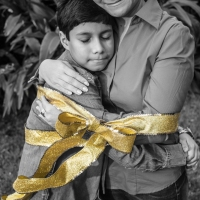 Christmas Portraits - A Mother's Love - Ben Briones Studios
