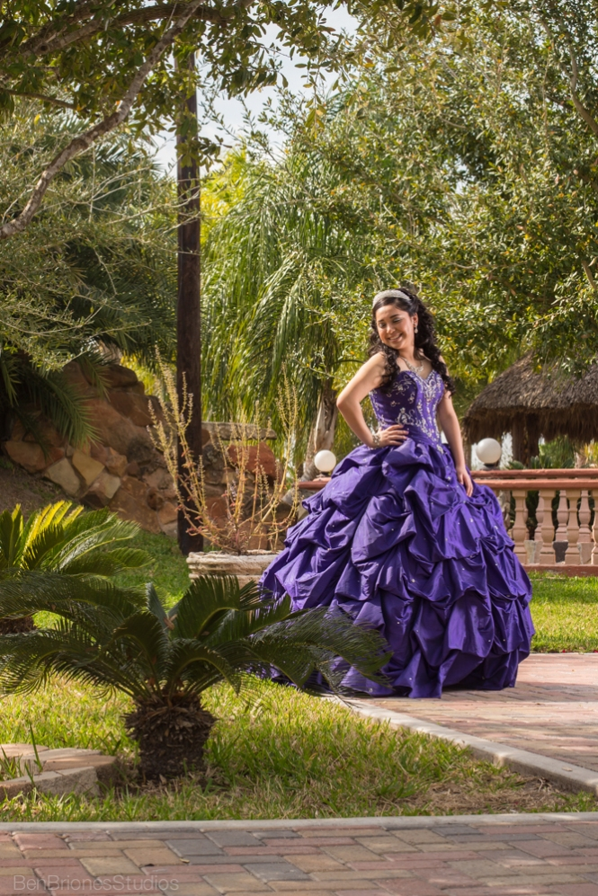 quince pictures ben briones studios mcallen texas quince photos portraits edinburg weslaco purple quince dress
