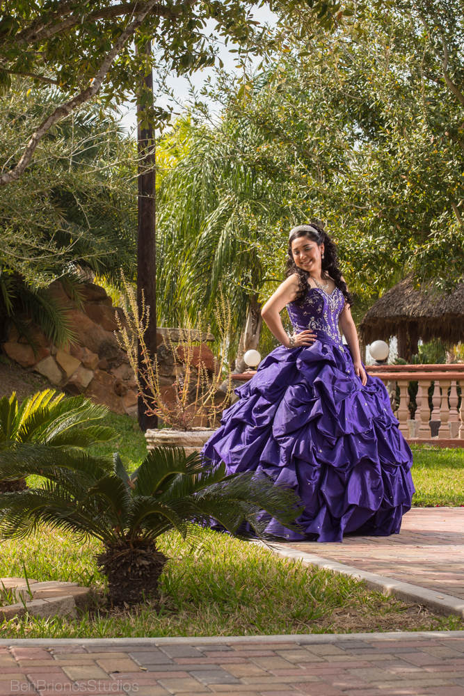 quince pictures ben briones studios mcallen texas quince photos portraits edinburg weslaco purple quince dress