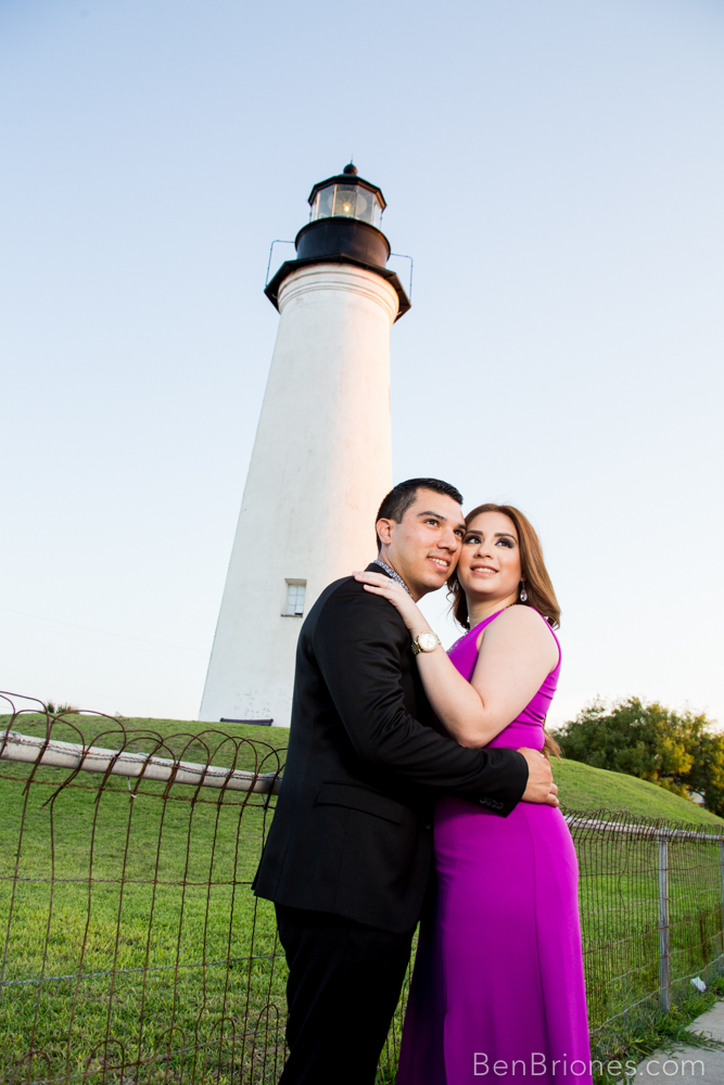 south padre island photographer engagement photo ben briones photography ben briones studios light house