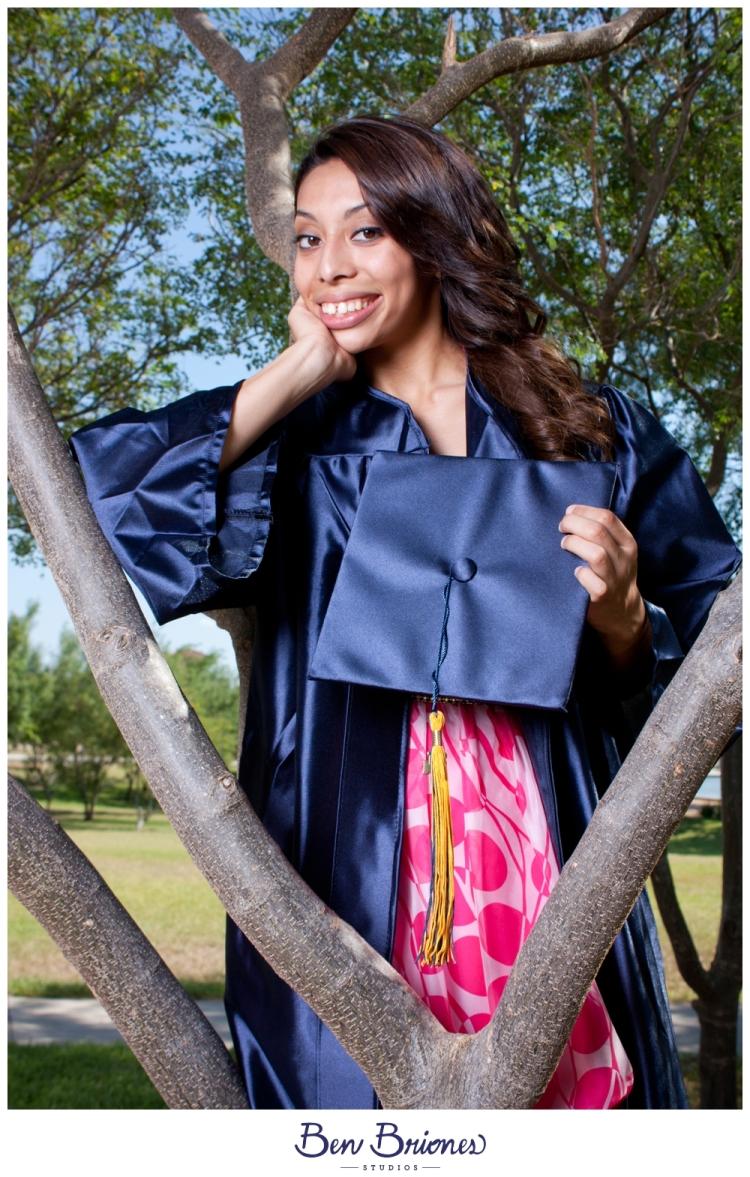 2011_06_02_Amanda Juarez Grad Session_PRINT-43_FB
