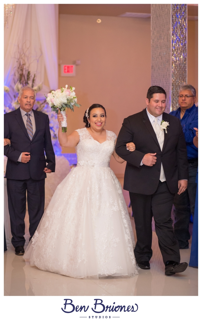 9-10-16_blog_michelle-humberto-wedding_bbs-4018_fb