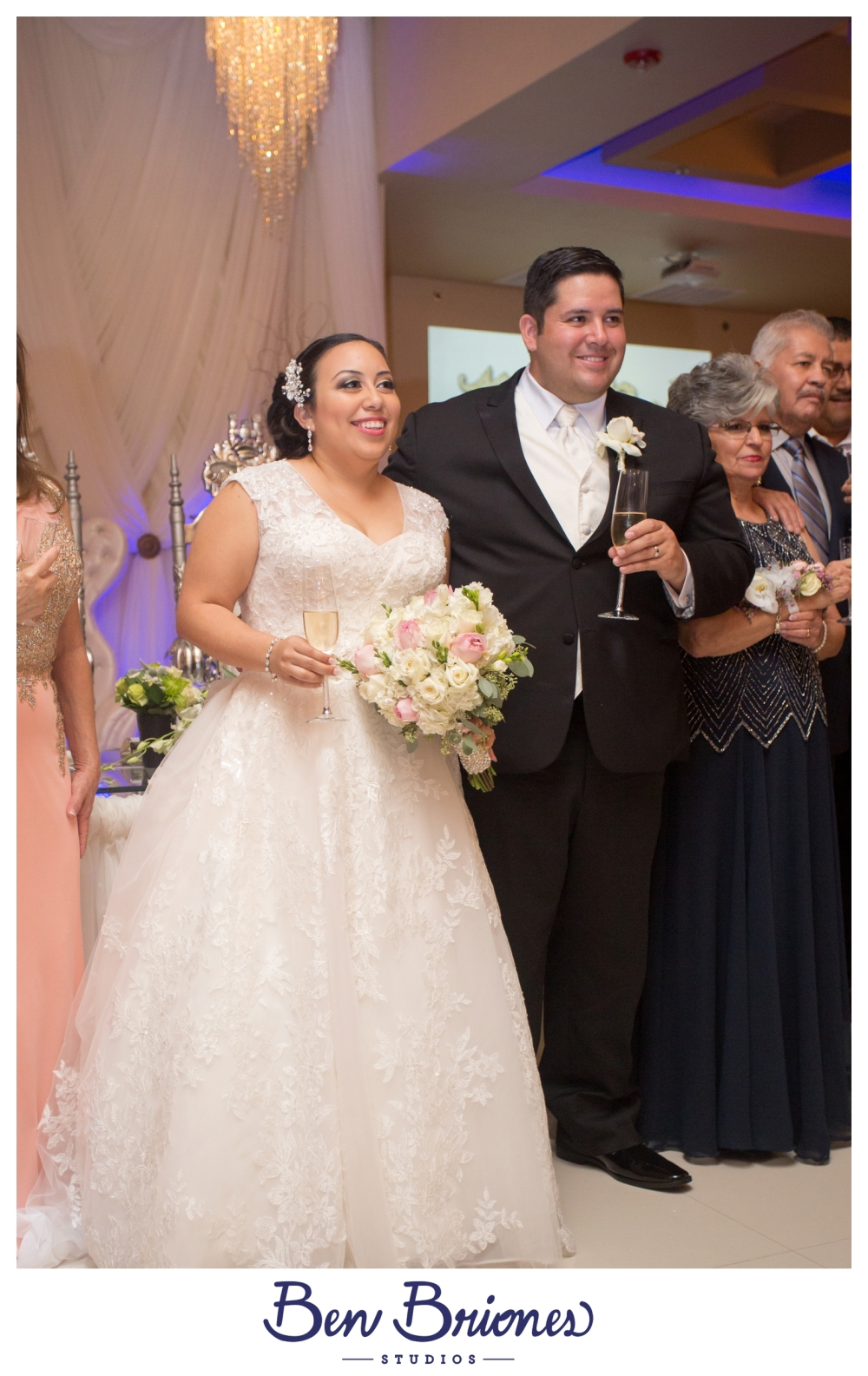9-10-16_blog_michelle-humberto-wedding_bbs-4185_fb