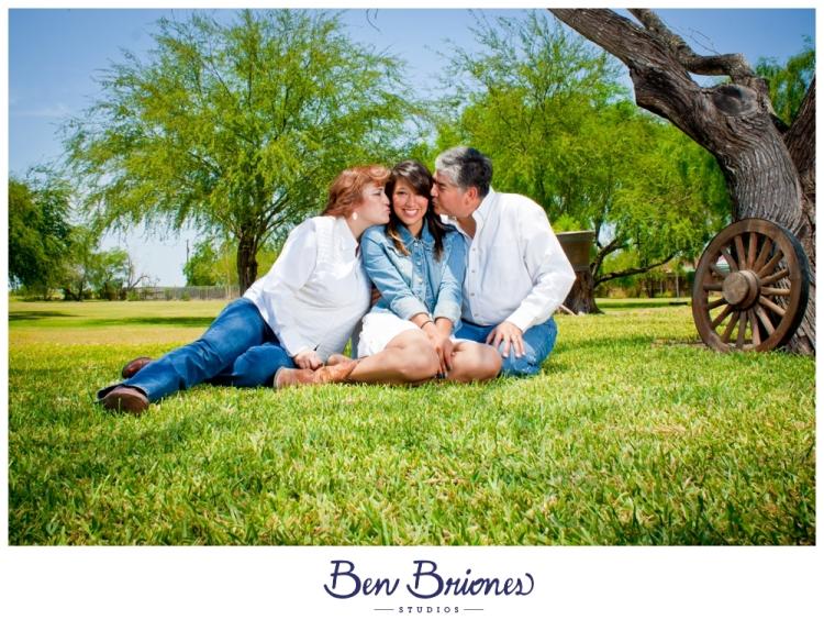 2011-05-07_AvilaFamily_PRINT_BBP-37_FB