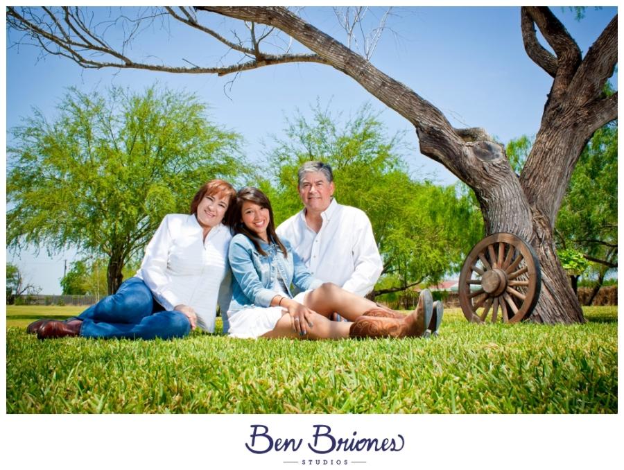 2011-05-07_AvilaFamily_PRINT_BBP-39_FB