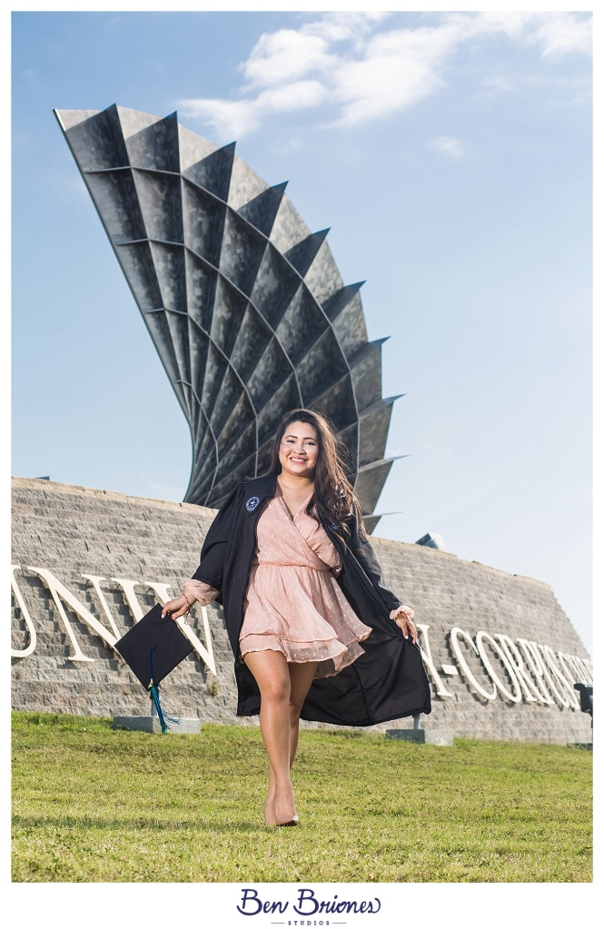 04.22.17_BLOG_Desiree Grad Portraits_BBS-7996_BLOG