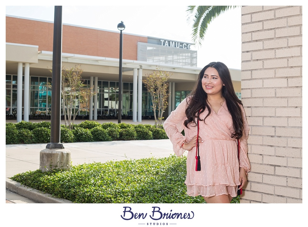 04.22.17_BLOG_Desiree Grad Portraits_BBS-8040_BLOG