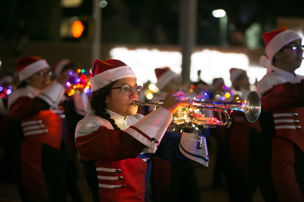 12.01.17_WEB_Edinburg Christmas Parade_BenBriones-3686