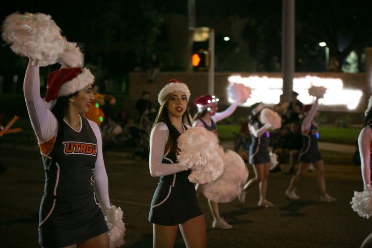 12.01.17_WEB_Edinburg Christmas Parade_BenBriones-3692
