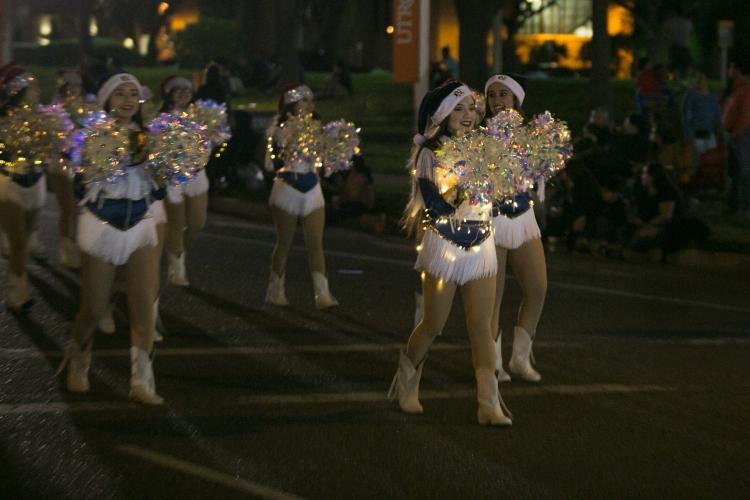 12.01.17_WEB_Edinburg Christmas Parade_BenBriones-3723