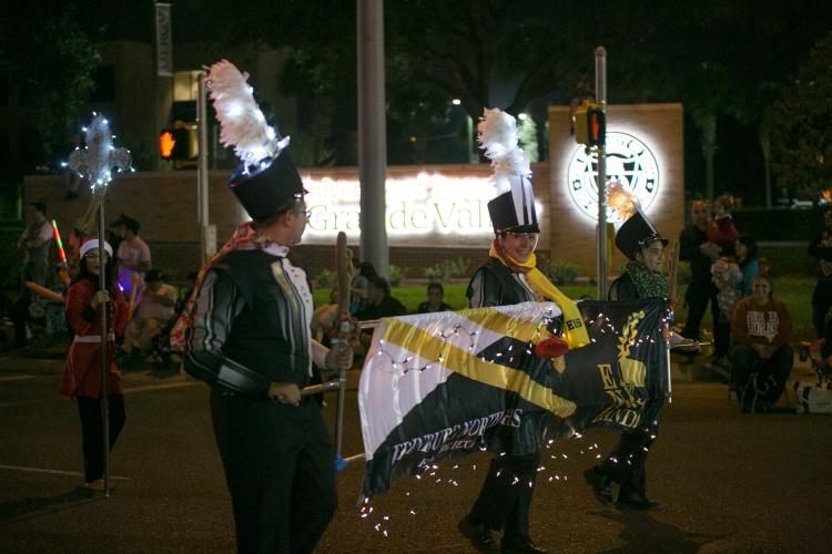 12.01.17_WEB_Edinburg Christmas Parade_BenBriones-3729