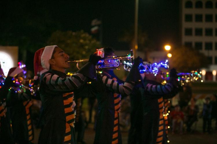 12.01.17_WEB_Edinburg Christmas Parade_BenBriones-3777