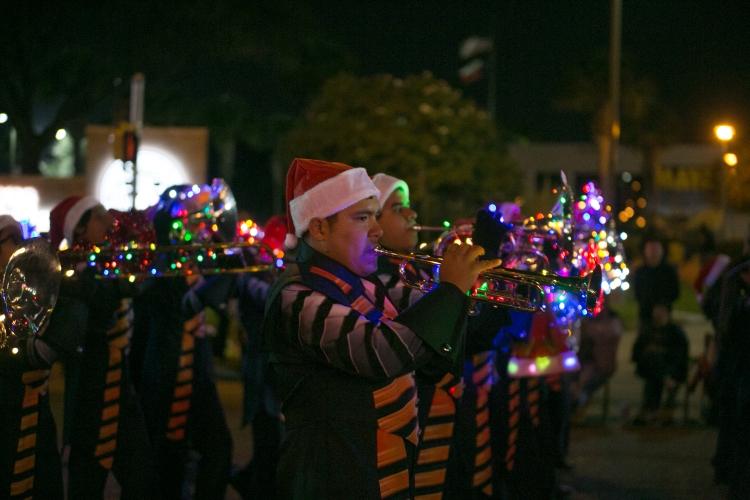 12.01.17_WEB_Edinburg Christmas Parade_BenBriones-3779