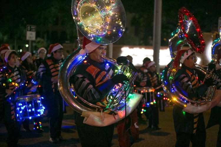 12.01.17_WEB_Edinburg Christmas Parade_BenBriones-3784