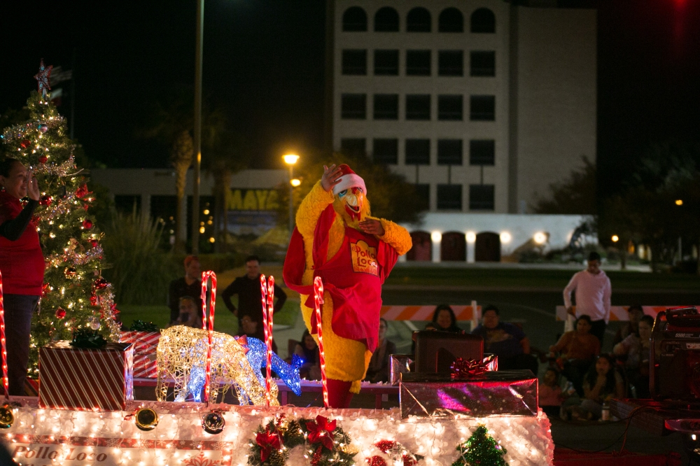 12.01.17_WEB_Edinburg Christmas Parade_BenBriones-3789