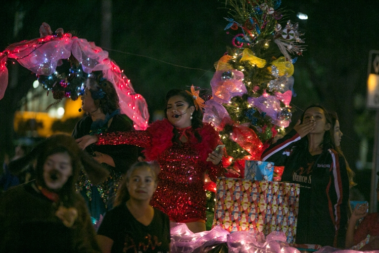12.01.17_WEB_Edinburg Christmas Parade_BenBriones-3818