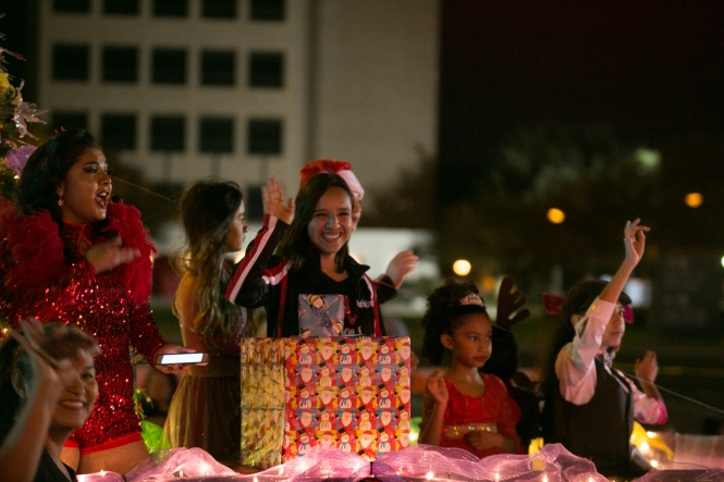 12.01.17_WEB_Edinburg Christmas Parade_BenBriones-3828