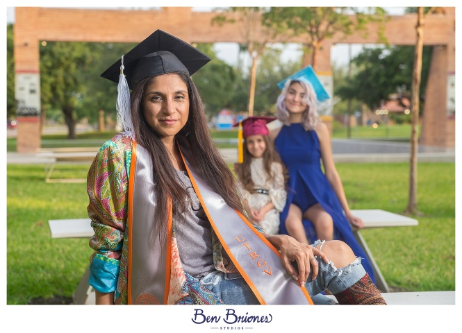 05.20.18_PRINT_Mari Grad Session_BBS-1123_WEB