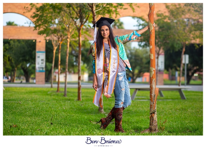 05.20.18_PRINT_Mari Grad Session_BBS-1135_WEB