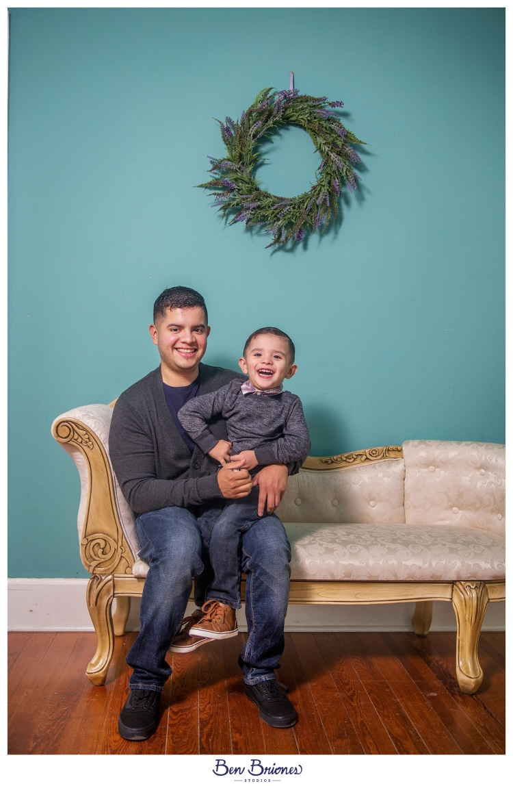 11.25.17_PRINT_Garay Family Session_BBS-9641_WEB