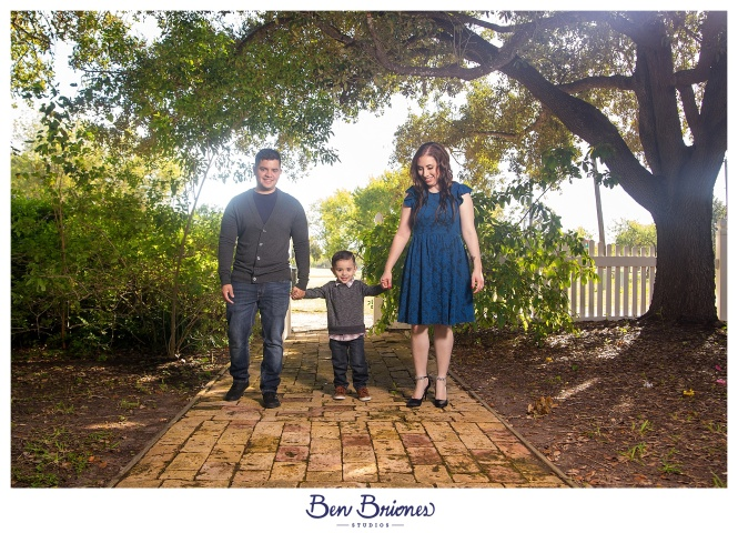11.25.17_PRINT_Garay Family Session_BBS-9709_WEB